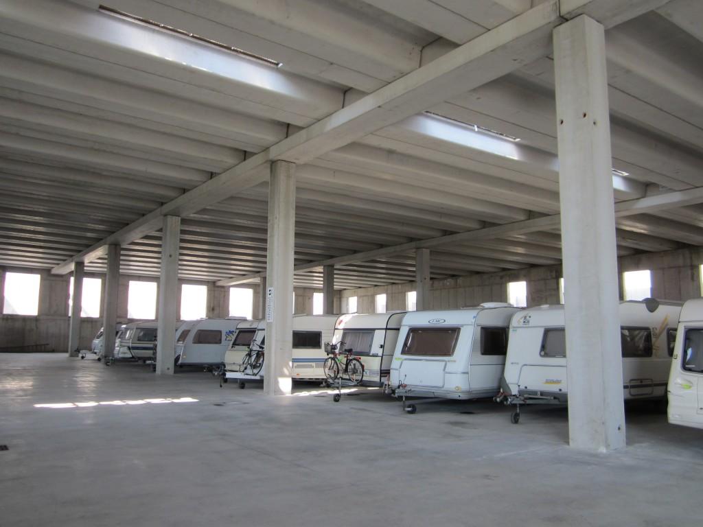 Een super moderne stalling in de buurt van het Gardameer