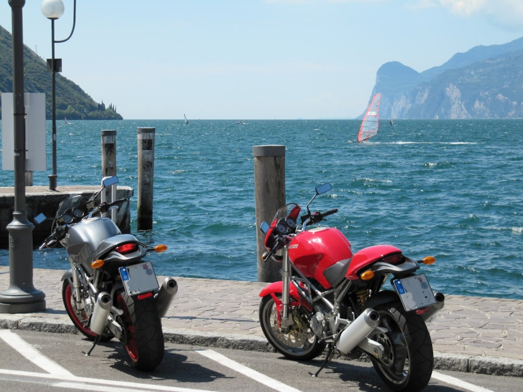 2 prachtige Ducati's aan het Gardameer