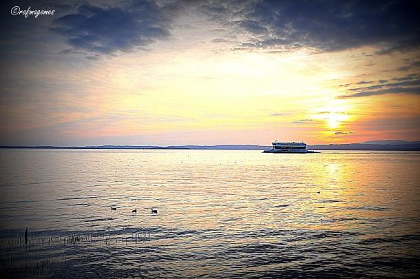 Een overzet op het Gardameer