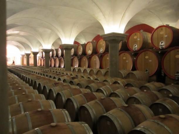 De wijnkelder van Zeni Cantina in Bardolino