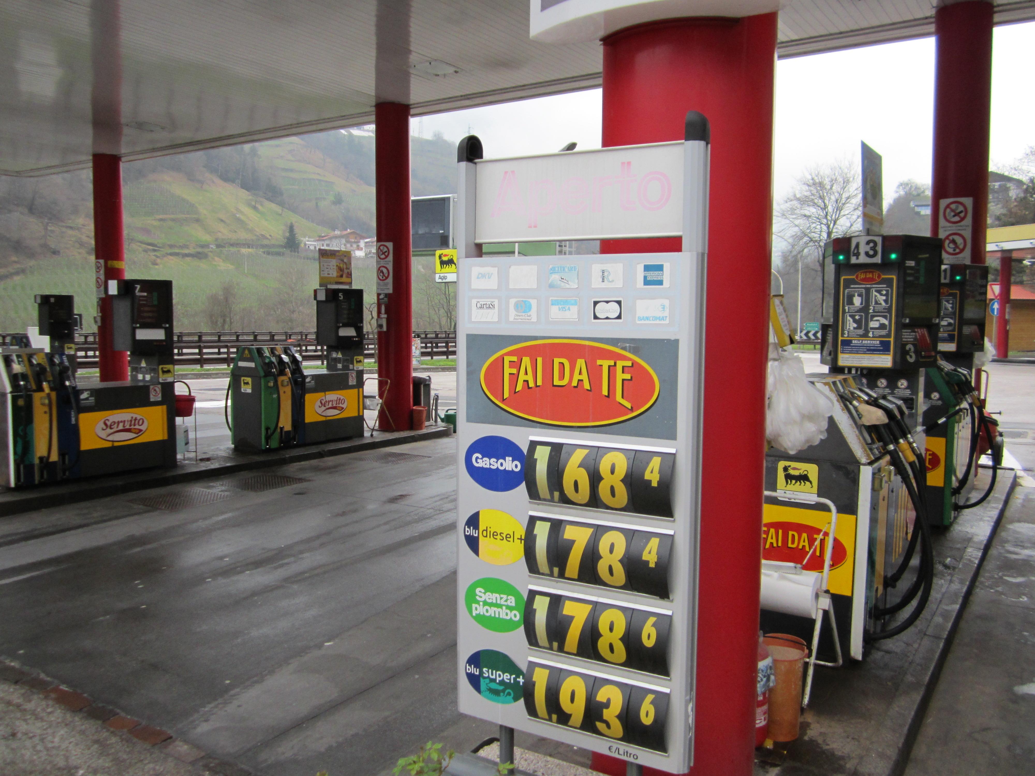 Goedkoop tanken in Italië