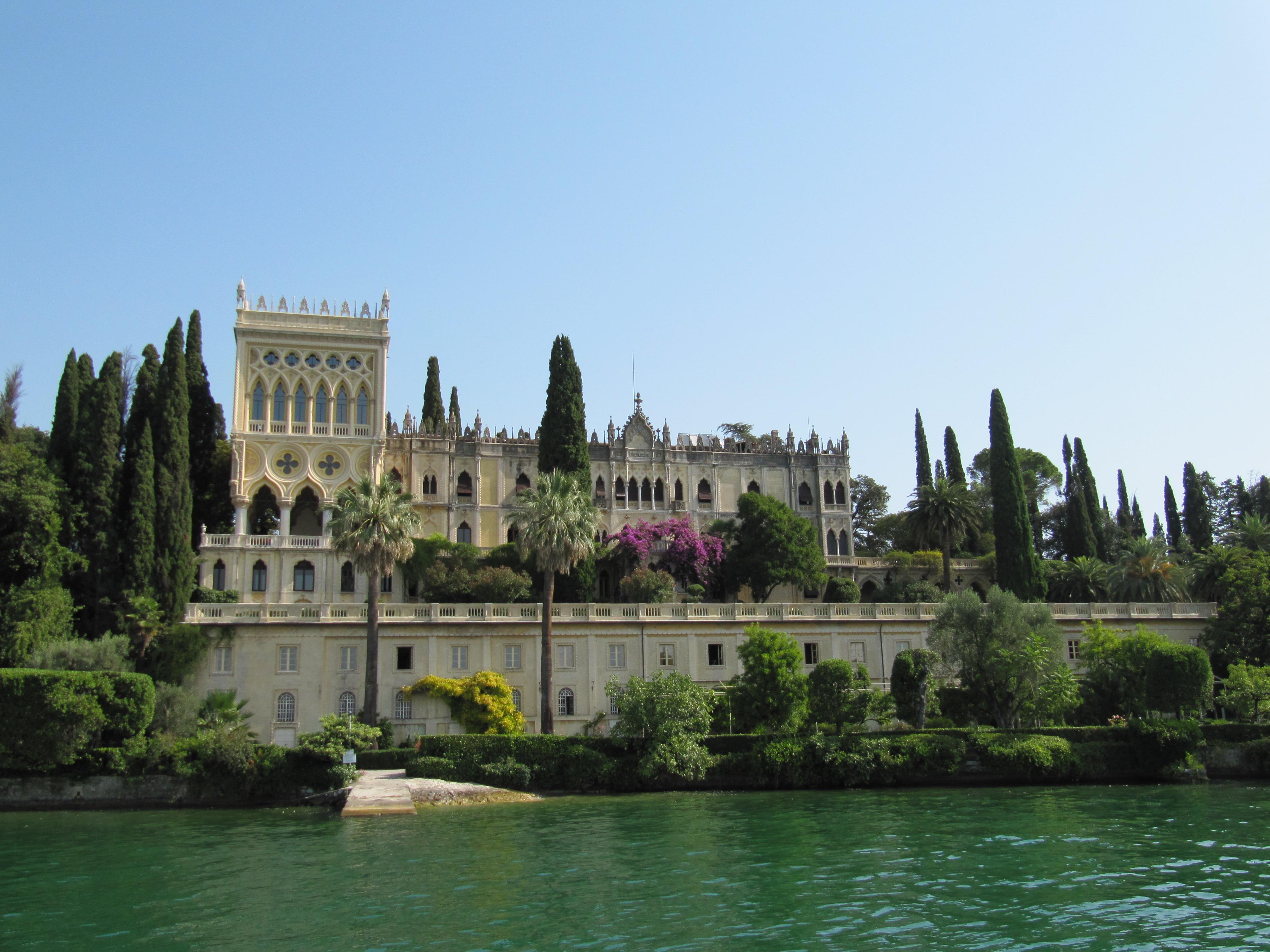 Een prachtige villa op het eiland Isola del Garda