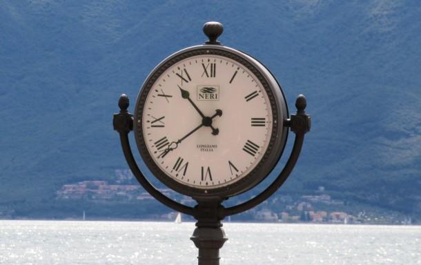 Een uurwerk in Limone sul Garda