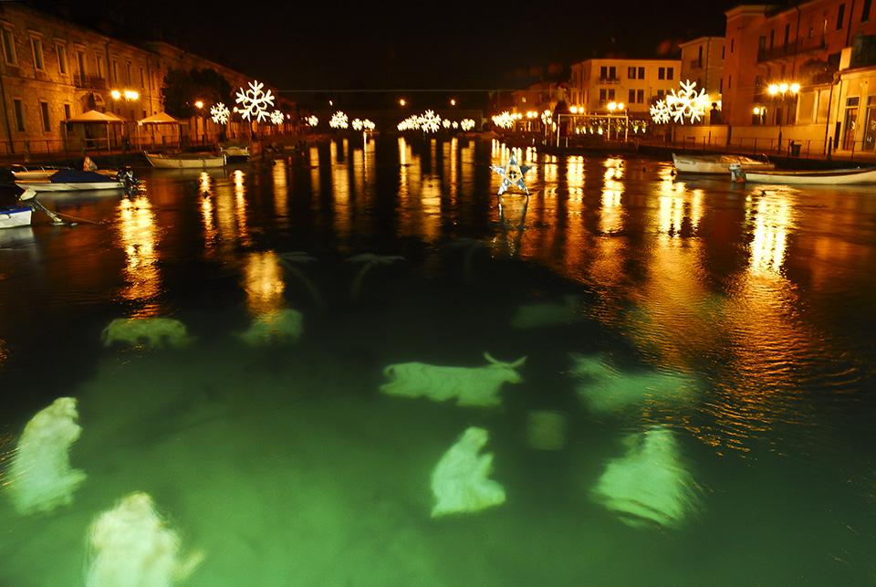 De Kerststal Van Peschiera Del Garda Gardameer