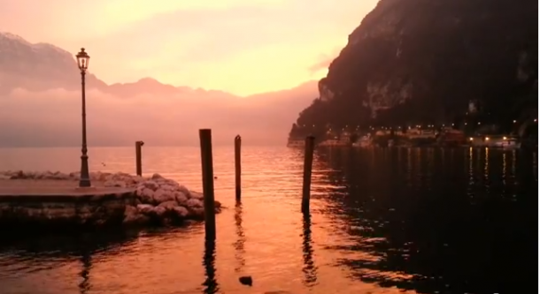 Riva del Garda winter zonsondergang