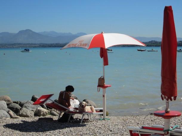Kamperen met je hond aan het Gardameer