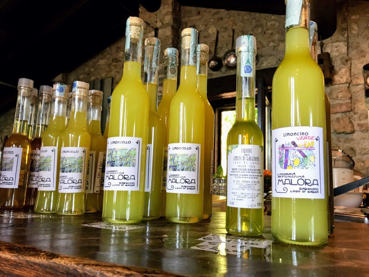 Limoncello proeven Gardameer