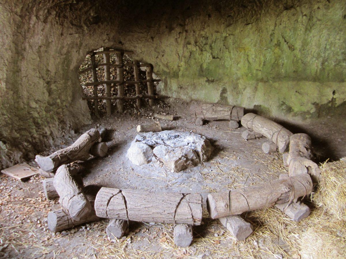 prehistorische-grot-Gardameer