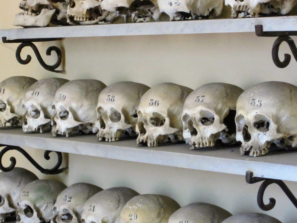 Kerkje met schedels Solferino Gardameer
