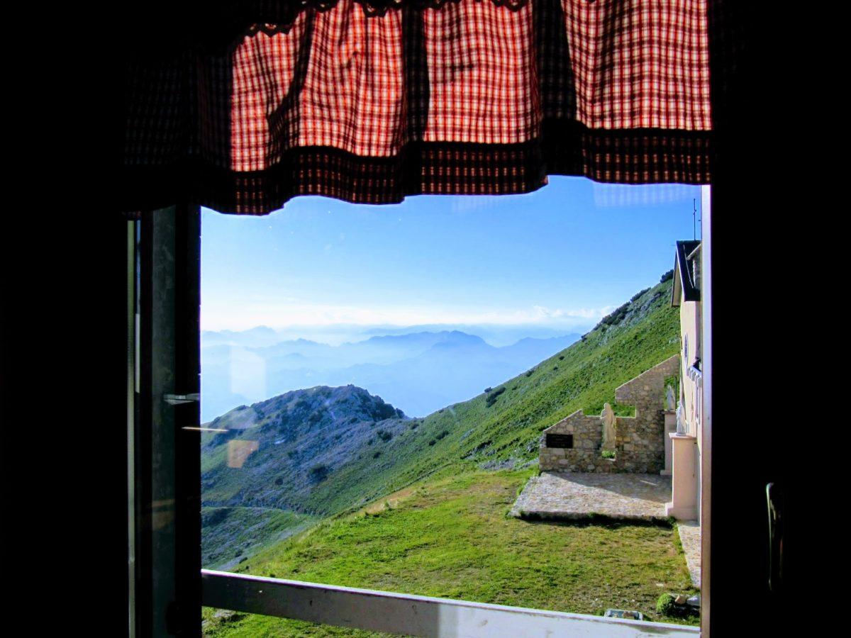 Overnachten in een berghut aan het Gardameer